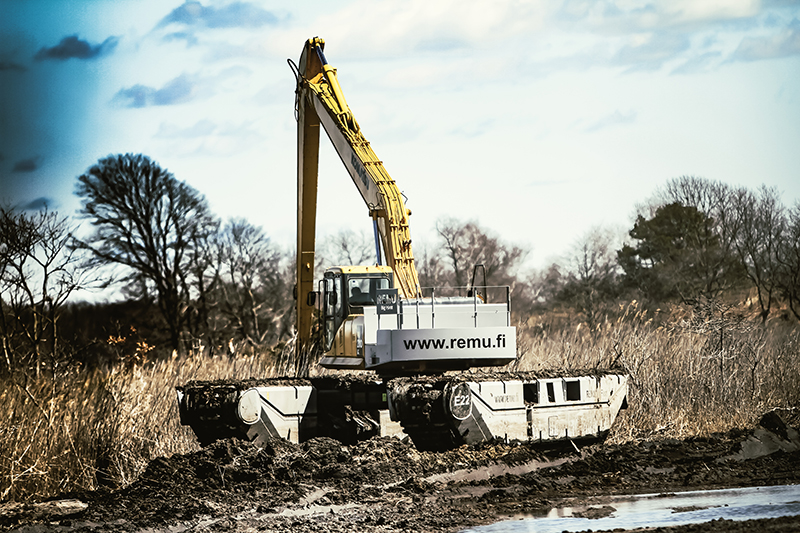 Big Float Amphibious Excavator